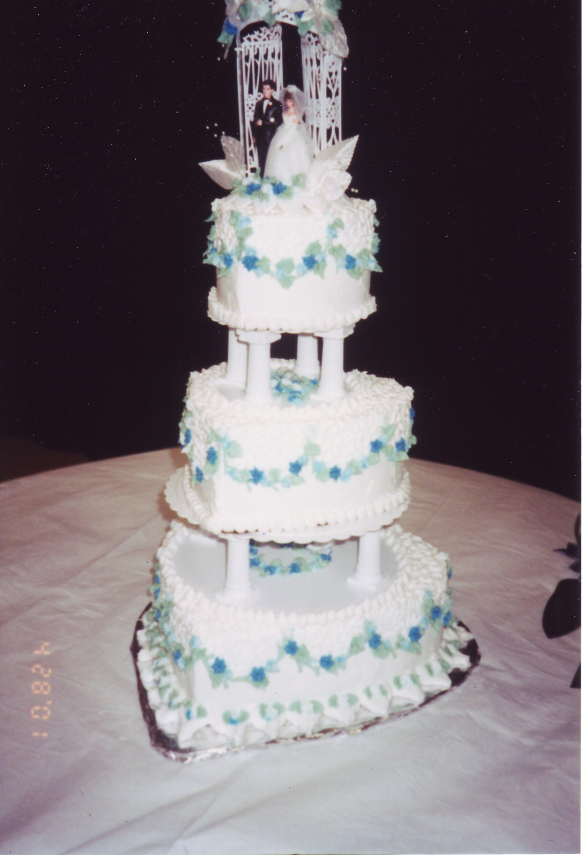 Cakes by Karen - Wedding CAKES